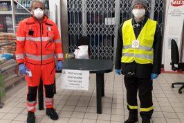 Misure anti-coronavirus: a Dogliani volontari e  Protezione Civile misurano la temperatura dei cittadini