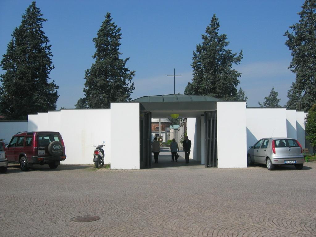 Bra: cimiteri chiusied esequie in forma privata proseguiranno fino al 3 maggio