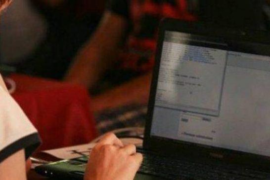 #Iostudiodacasa: Un supporto scolastico agli studenti delle superiori via streaming da parte di studenti universitari