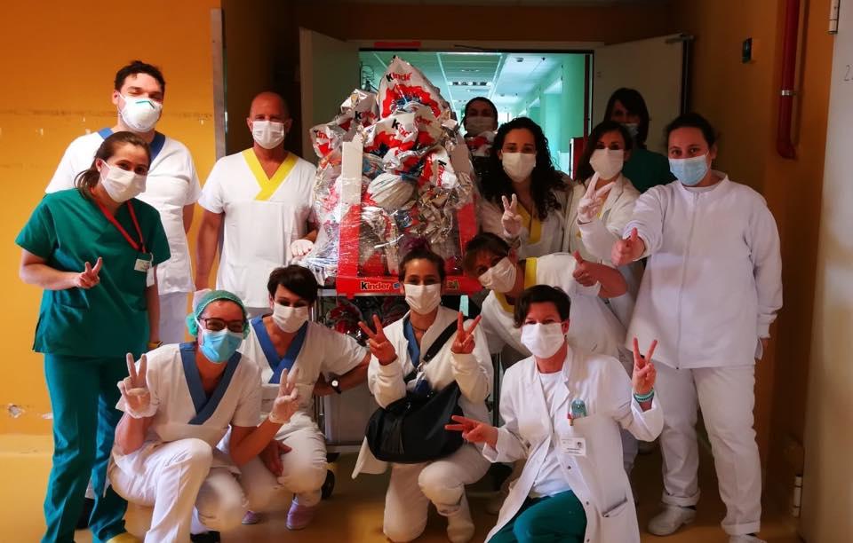 Ferrero dona migliaia di uova Kinder a medici e infermieri in tutta Italia