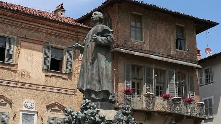 Domenica a mezzogiorno a Bra la benedizione pasquale in diretta streaming da Piazza Caduti