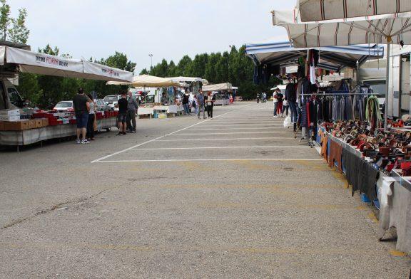 Alba: il mercato del sabato prosegue anche questa settimana in piazza Sarti