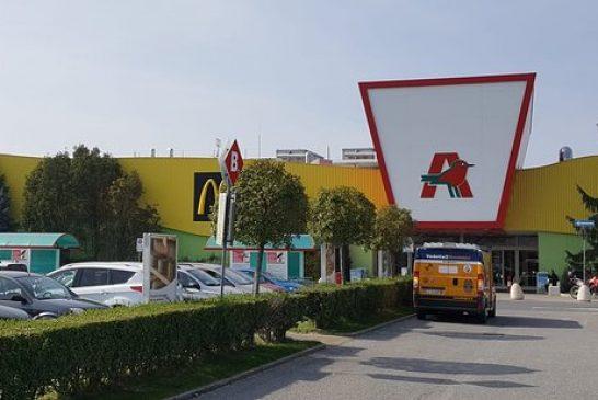 Cuneo: Femminicidio sul piazzale dell'Auchan: la uccide in auto e poi si costituisce
