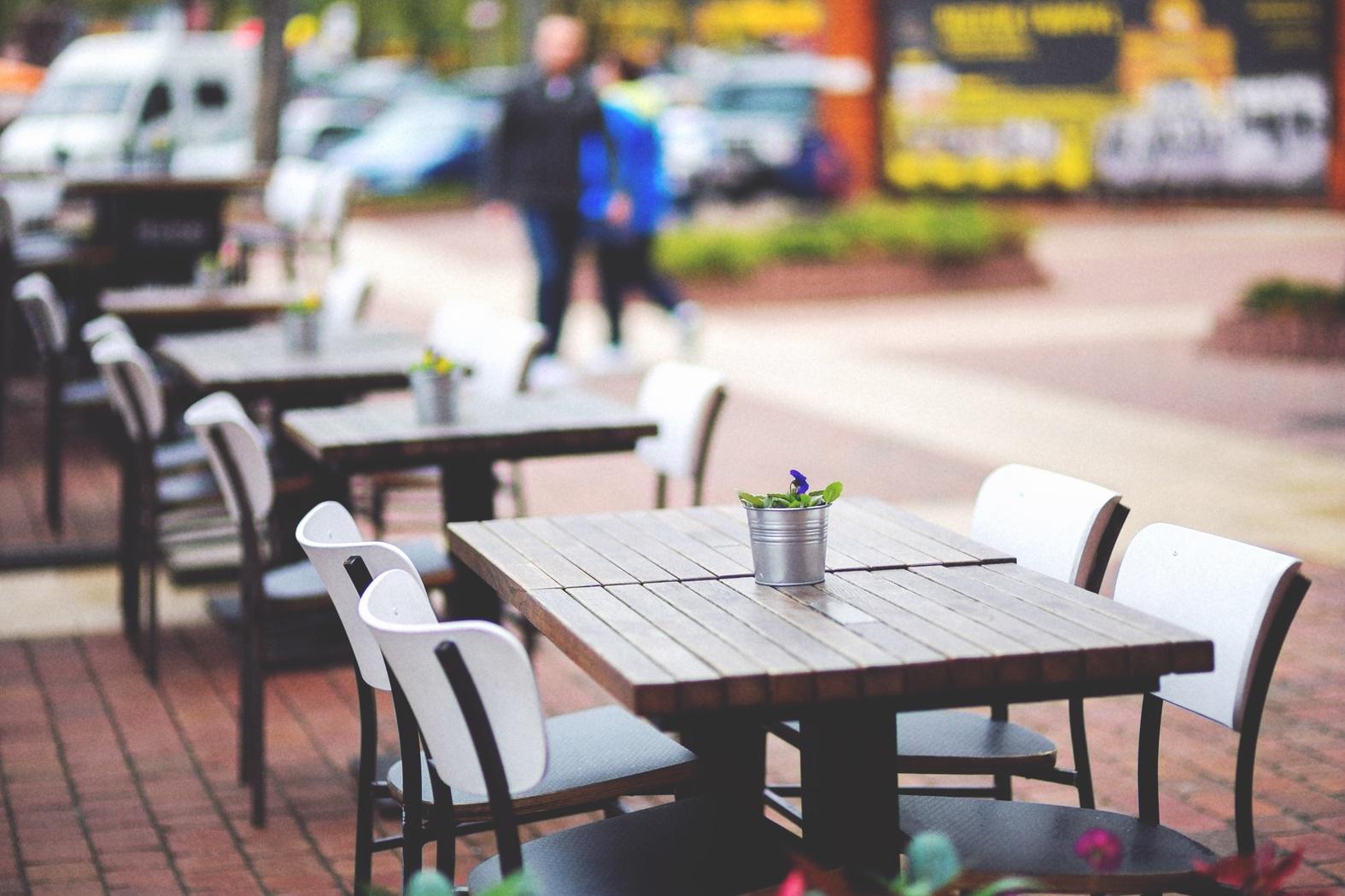 Alba: Il Comune approva l'ampliamento dei dehors per bar e ristoranti