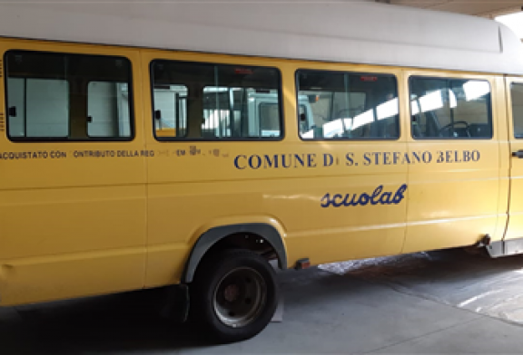 Il Comune di Santo Stefano Belbo mette all'asta il vecchio scuolabus
