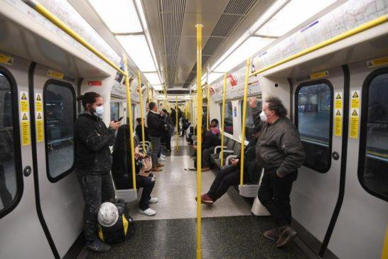 Piemonte: si valuta lo stop al distanziamento su bus e treni